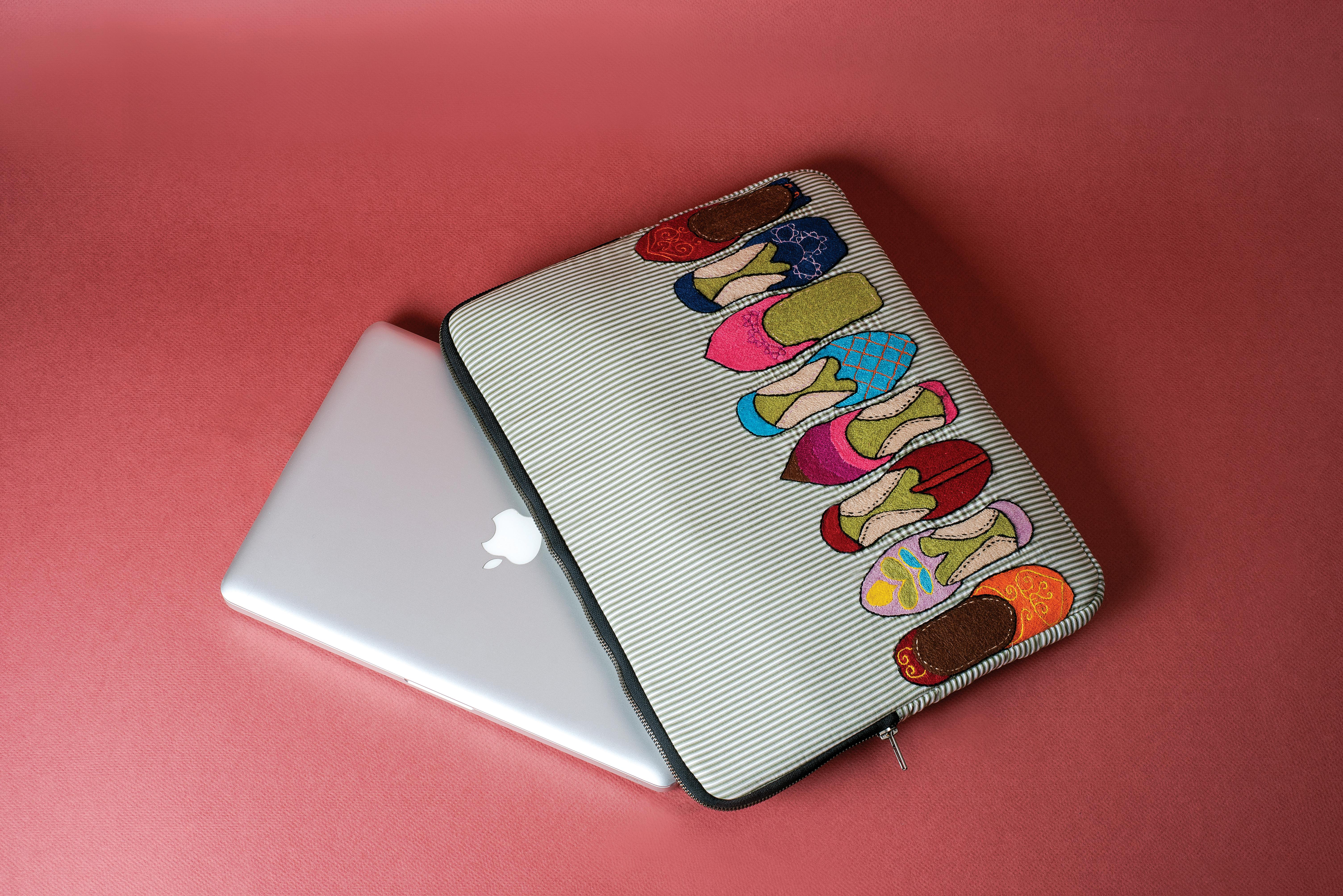 Laptop Sleeve (Grey Khussa)